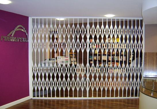 Access Group UK   Collapsible Gates